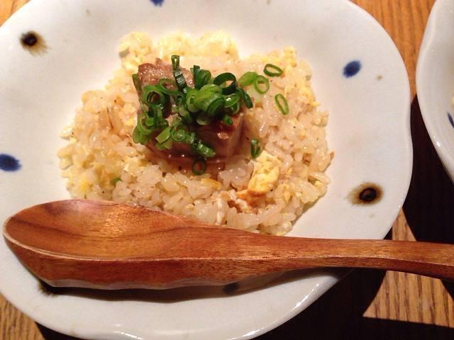 とろとろ角煮のせ炒飯2.jpg