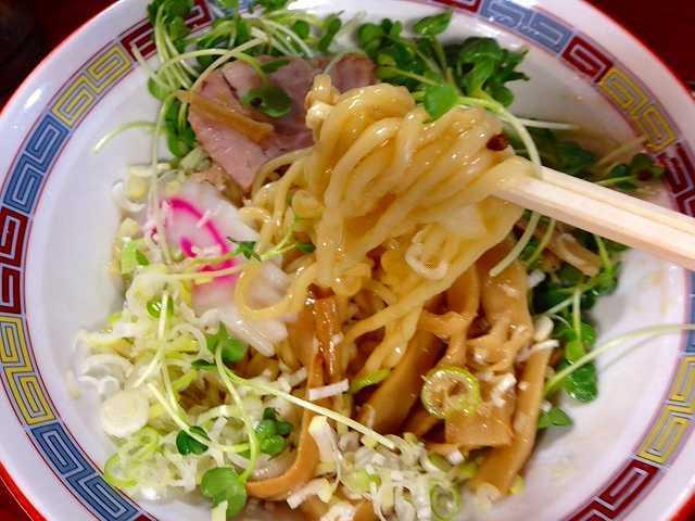 オイリーな麺.jpg