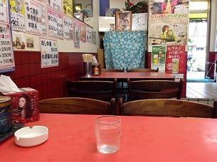 テーブル席から見た光景.jpg