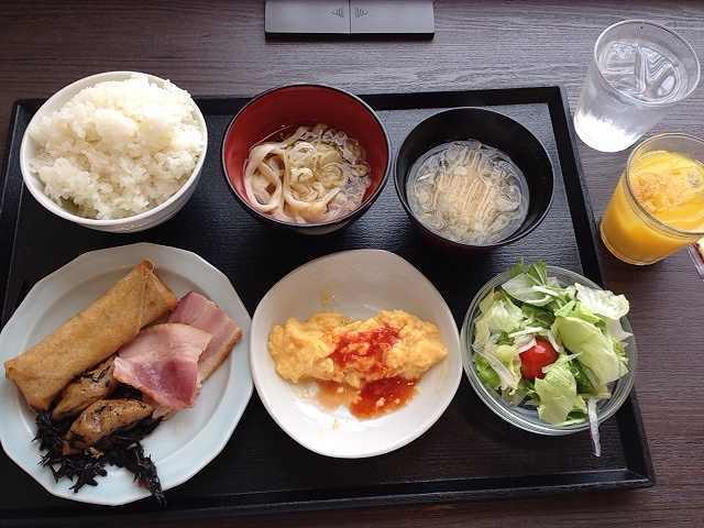 ドーミインの朝飯.jpg