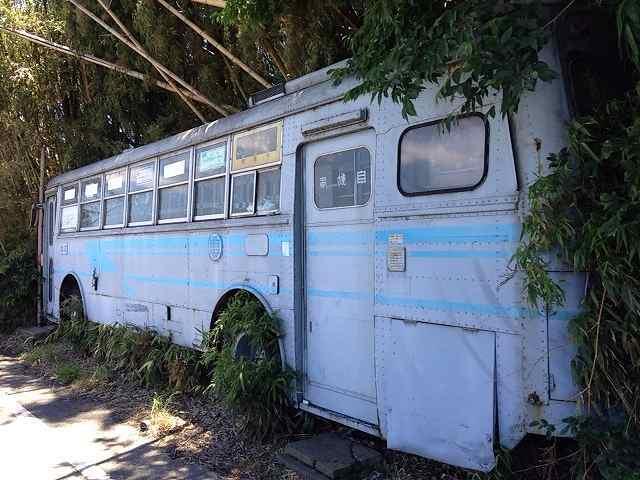バス廃車体2.jpg
