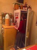 冷蔵庫を漁るうさ子.jpg