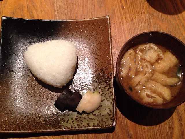 塩むすびと味噌汁.jpg