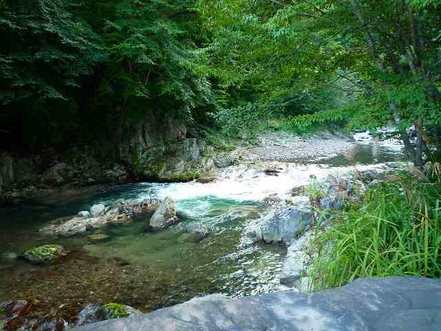 川が流れる.jpg