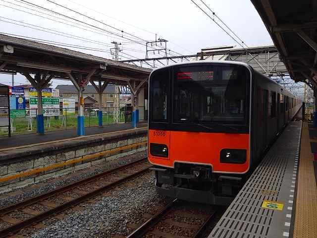 幸手駅と東武線.jpg