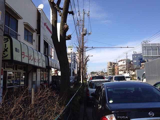 店前の環八は渋滞.jpg