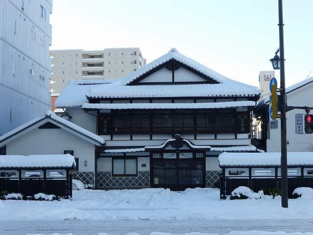 残雪の朝3.jpg