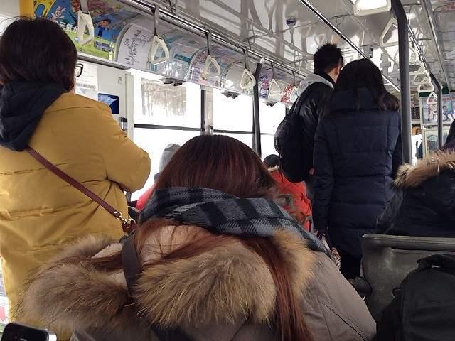 満席のバス.jpg