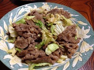 牛肉とキャベ炒め.jpg
