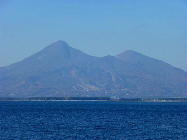 猪苗代湖と磐梯山2.jpg