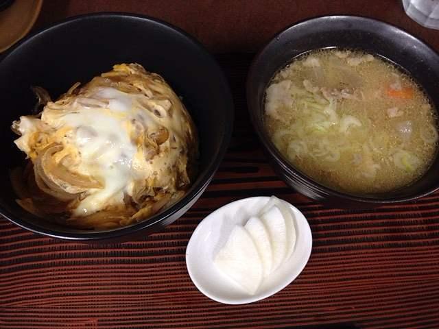 玉子丼&豚汁.jpg