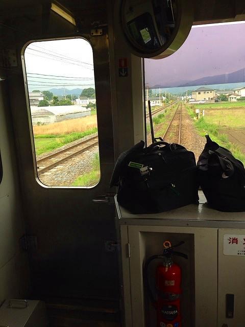 秩父鉄道が寄り添ってきた.jpg