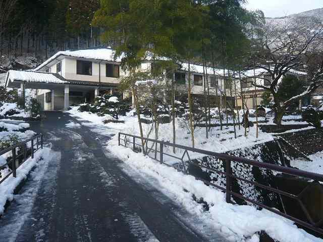 除雪後の船山館.jpg