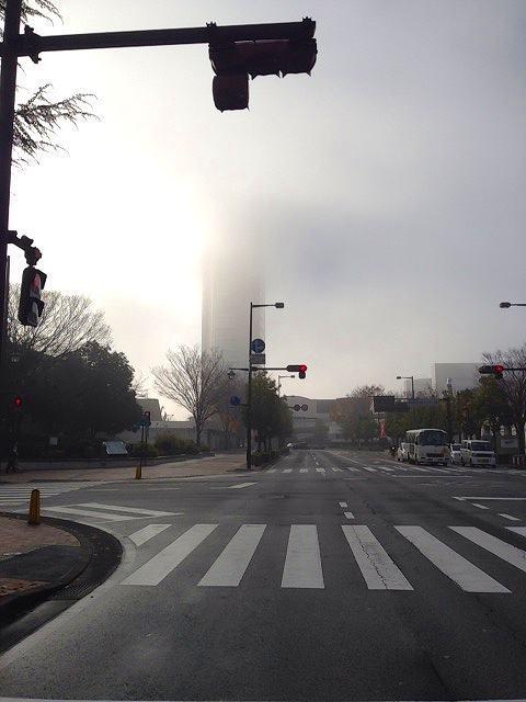 霞む市庁舎.jpg