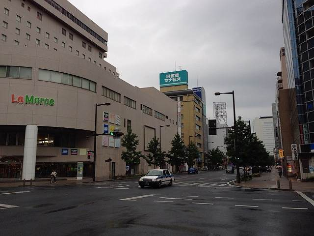 駅前交差点.jpg