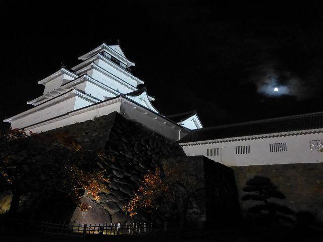 鶴ヶ城と名月2.jpg
